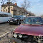 В Кривом Роге на месте концентрации ДТП столкнулись 3 авто