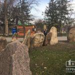 Из-за несчастного случая в Запорожье криворожане просят чиновников проверить памятники в парке