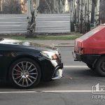 В Кривом Роге такси попало в ДТП на светофоре