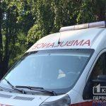 В Кривом Роге спасатели помогли автомобилю скорой выехать на крутой склон