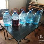 Алкоголь, которым торговали на разлив в магазине, изъяли криворожские полицейские