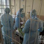 Прооперированный в «тысячке» пациент с подозрением на коронавирус не контактирует с другими пациентами, — главврач горбольницы