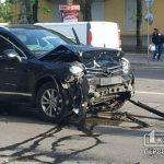 Во время рабочей перевозки на центральном проспекте Кривого Рога случилось ДТП