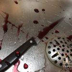 Ножом в грудь: во время пьянки криворожанин зарезал знакомого