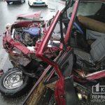 Во время непогоды в Кривом Роге столкнулись Таврия и BMW
