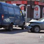 ДТП в Кривом Рога: столкнулись Lada и ГАЗель