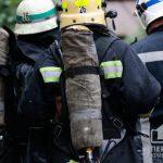 Криворожские спасатели около часа тушили пылающую хозпостройку