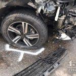 Легковушка влетела в столб в результате ДТП в Кривом Роге