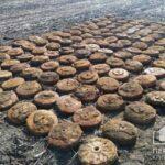 Почти 400 мин: спасатели второй день подряд находят под Кривым Рогом боеприпасы